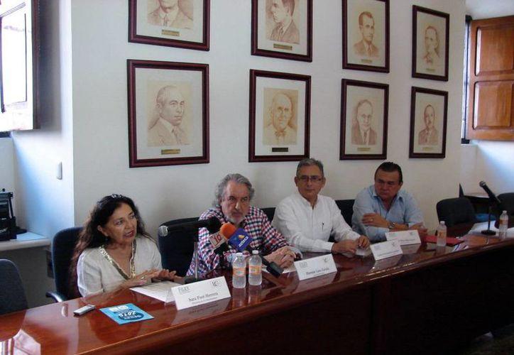 Vía telefónica, Fernando del Paso Morante se dijo agradecido por la distinción. (SIPSE)
