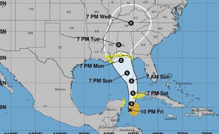 Esta trayectoria fue proporcionada por el Centro Nacional de Huracanes en Miami, Florida, Estados Unidos, a las 22:00 horas. (CNH)