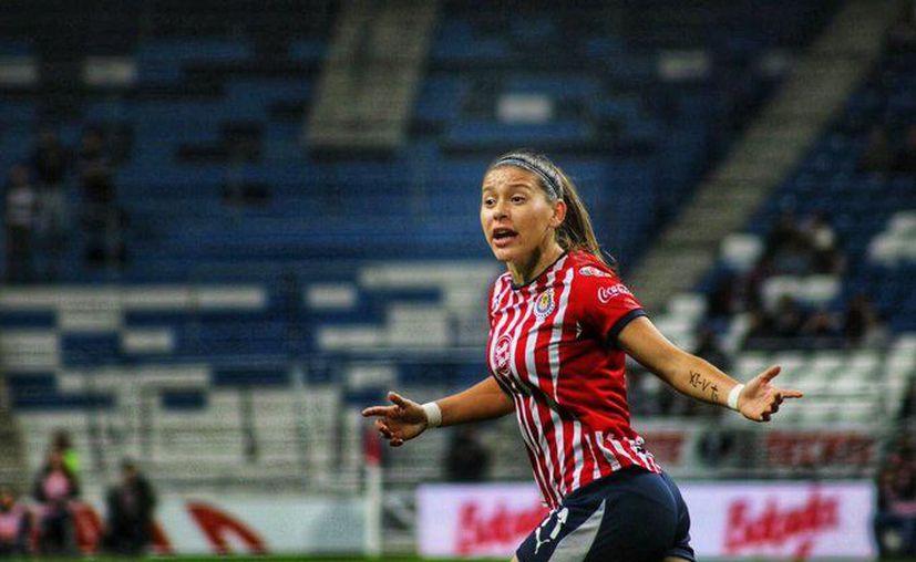 La jugadora de Chivas y seleccionada nacional deja el futbol para dedicarse a otro asunto que no ha especificado (Foto: @NormaPalafox)
