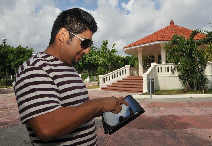 La Dirección de Sistemas del Ayuntamiento asegura que realiza verificaciones de acceso a internet periódicamente.   (Redacción/SIPSE)