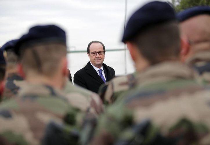 El presidente de Francia, Francois Hollande, autorizó al menos cuatro ejecuciones de terroristas. (AP/Christophe Ena)