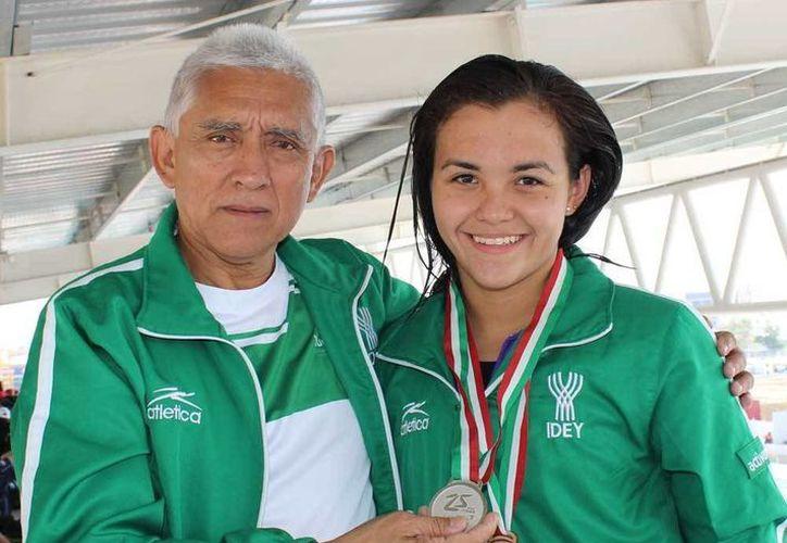 Melissa Piña hizo un tiempo de ó 2 minutos, 22 segundos y 23 décimas en la prueba de 200 metros mariposa en la Olimpiada Nacional. (Milenio Novedades)