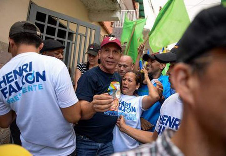 Falcón decidió ir a contravía de la coalición opositora Mesa de la Unidad Democrática. (AFP)