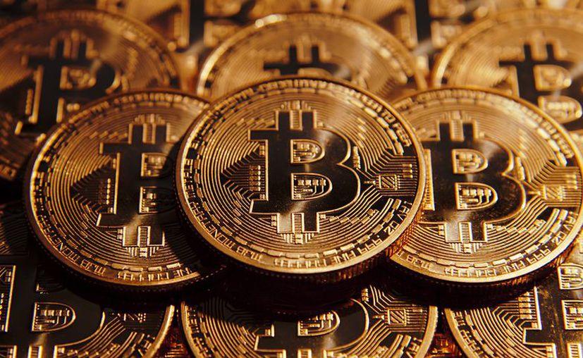 El Bitcoin es la primera moneda digital descentralizada y que tiene la posibilidad de enviarse a través de internet. (Foto: Contexto/Internet)