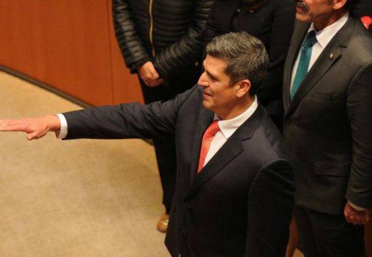 Díaz-Santana rindió protesta ante los legisladores de la República Mexicana. (Foto: El Sol de México)