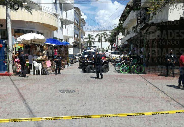 El lugar fue acordonado por las autoridades por unos minutos. (Foto: Adrián Barreto)