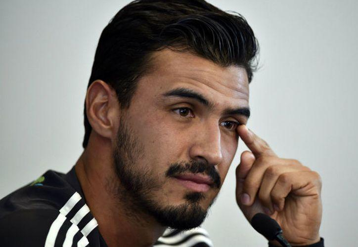 El defensa mexicano sigue sin tener equipo, él quiere jugar en Europa. (Foto:Internet)