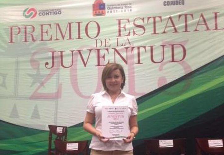 Reconocen a Elda Patricia Beltrán Manzanero, docente de la División Económica Administrativa de la Universidad Tecnológica de Cancún. (Redacción/SIPSE)