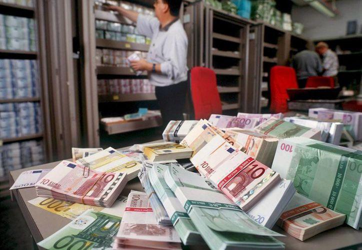 El lavado de dinero es una de las cosas que debe de afrontar de forma más significativa la comunidad internacional. (Archivo/EFE)