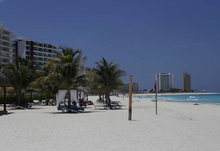 Las playas han resultado libres de gérmenes y bacterias que pudieran afectar a los bañistas. (Israel Leal/SIPSE)