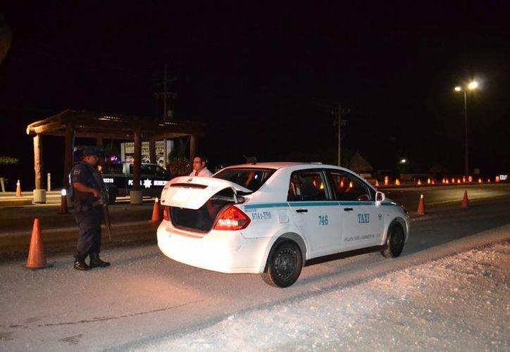 Ayer durante la medianoche una bala terminó con la vida de Ángel, un joven taxista de Playa del Carmen. (Redacción /SIPSE)