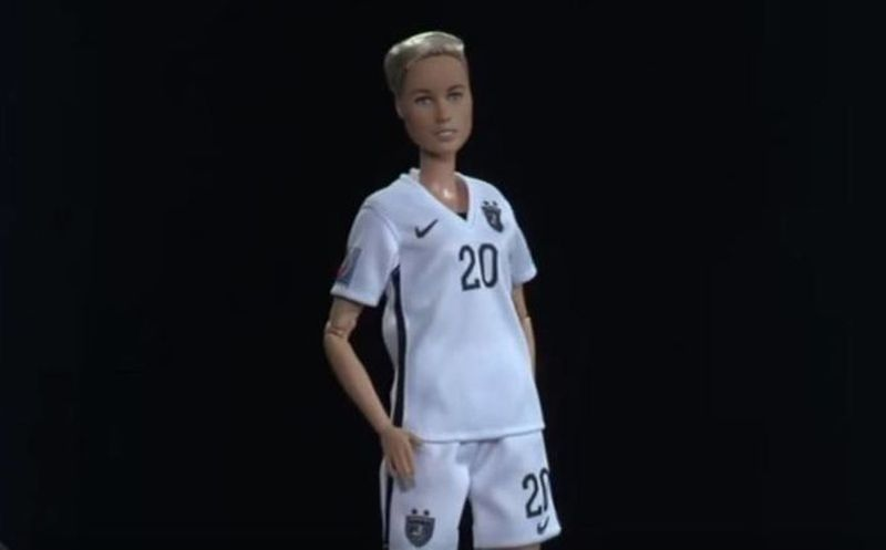 Mattel lanza la primer Barbie lesbiana inspirada en futbolista ...