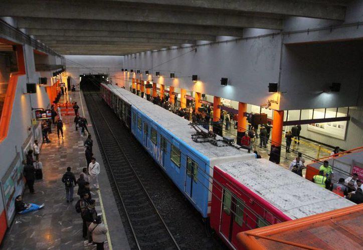 En próximos días se definirá qué estaciones del Metro serán cerradas durante la visita del papa Francisco a la Ciudad de México. (Archivo/Notimex)