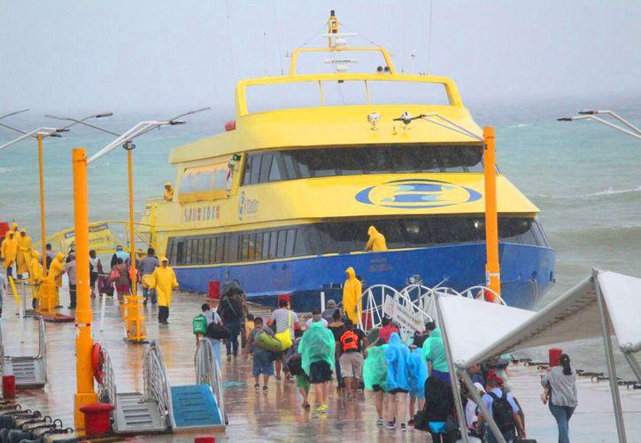Las empresas operadoras de ferrys incurrieron de nuevo en ilegalidades. (Daniel Pacheco/SIPSE)