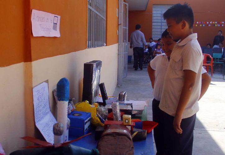 En el último día de actividades se realizó una exposición de los trabajos realizados en esta semana. (Juan Albornoz/SIPSE)