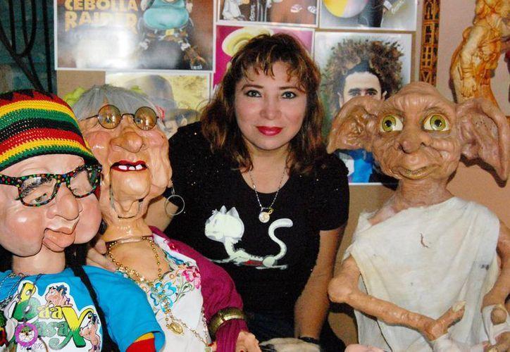 Beatriz Castro mostrará sus esculturas y caricaturas en un conocido casino del norte de Mérida. (Milenio Novedades)