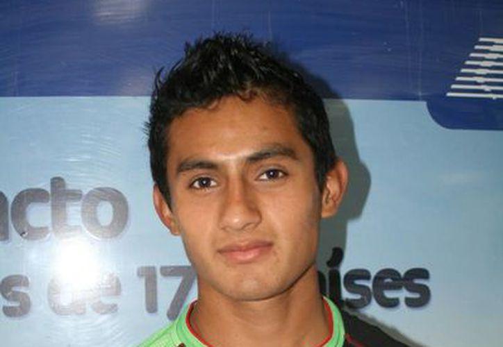 El joven atleta estará por seis semanas en la capital del país. (Ángel Mazariego/SIPSE)