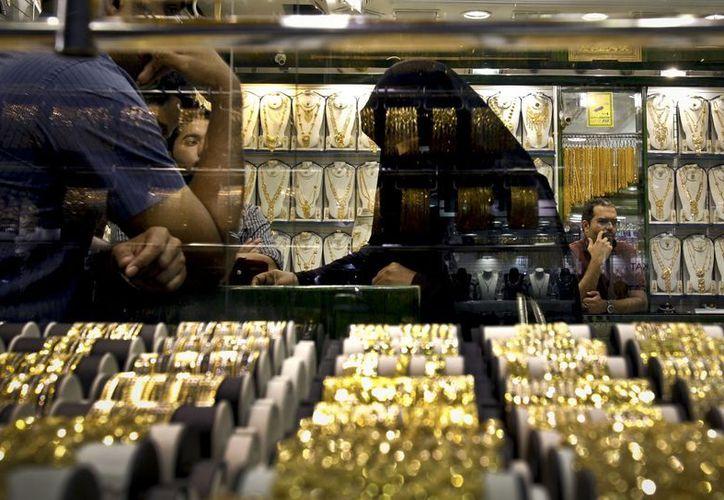 El comercio de oro es una de las actividades principales de Dubai. (Agencias)