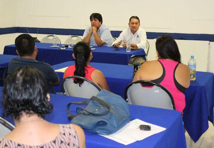 Los representantes del sector empresarial se reunieron con los agremiados. (Adrián Barreto/SIPSE)