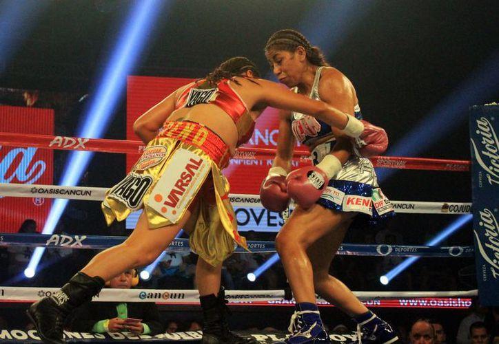 La boxeadora cancunense buscará seguir sumando victorias en su joven carrera. (Raúl Caballero/SIPSE)