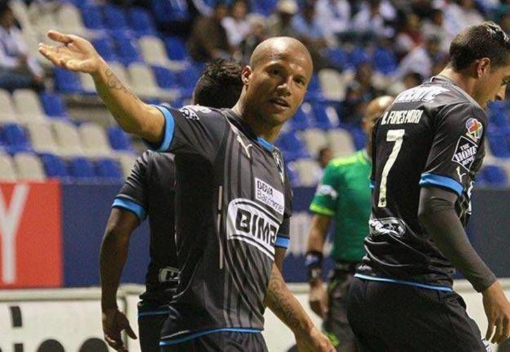 El uruguayo Carlos Sánchez tuvo una noche redonda al colaborar con dos anotaciones en la victoria del Monterrey (3-2) sobre Puebla, esto en el cierre de la jornada dos. (rayados.com)