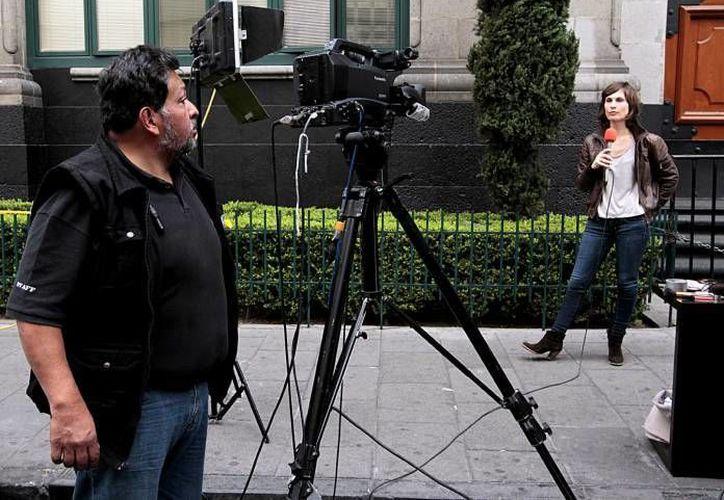Con la publicación de la Segob se pretende obtener recursos económicos adicionales a favor de periodistas. (Notimex/Foto de contexto)