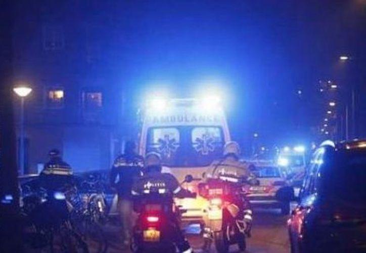 Ambos heridos han sido trasladados a un hospital local. (Twitter)