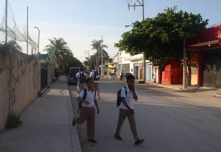 La ausencia en las escuelas del nivel básico fue de un 65% el día de ayer por las lluvias. (Rossy López/SIPSE)