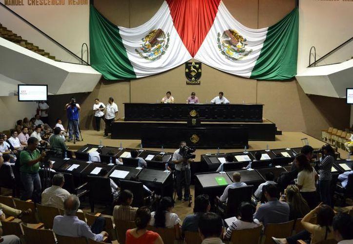 El Congreso del Estado aplica 206 millones de pesos y ha sido señalado por diversos organismos de improductivo. (Milenio Novedades)