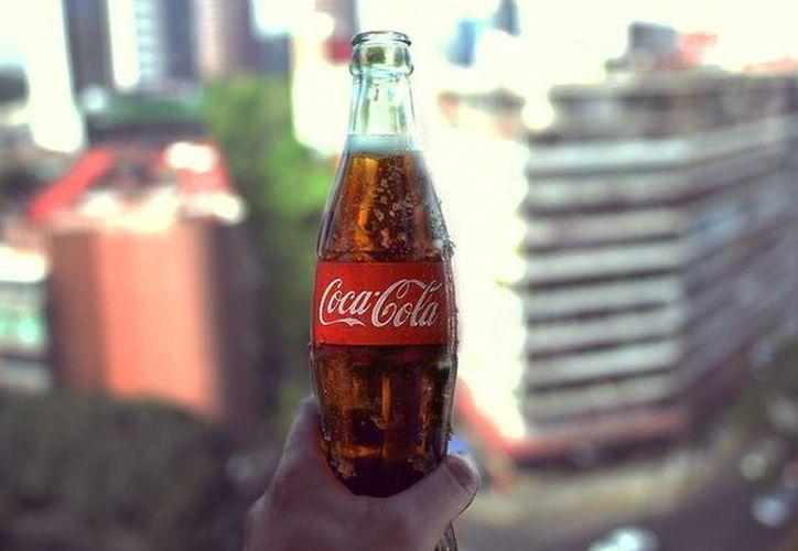 El objetivo de The Coca-Cola Company en Estados Unidos es refranquiciar el embotellado de sus bebidas. (facebook.com/CocaColaMx)