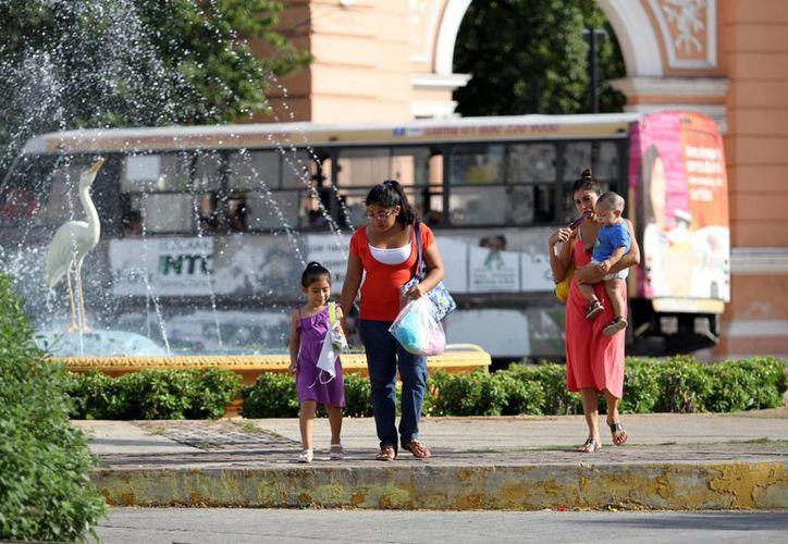 Se mantendrá la presencia de nublados con potencial de lluvias intensas en la zona sureste de México, por lo que es muy probable que este lunes llueva en Yucatán. (SIPSE)