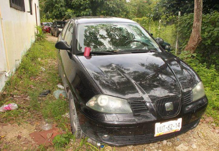 El vehículo fue asegurado por elementos de la PJE. (Archivo/SIPSE)