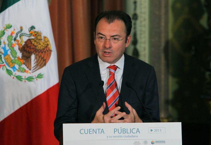 Videgaray: la propuesta de que el Estado asuma parte de la deuda pensionaria de la CFE y Pemex no salió de la Presidencia de la República, sino de los diputados. (Notimex)
