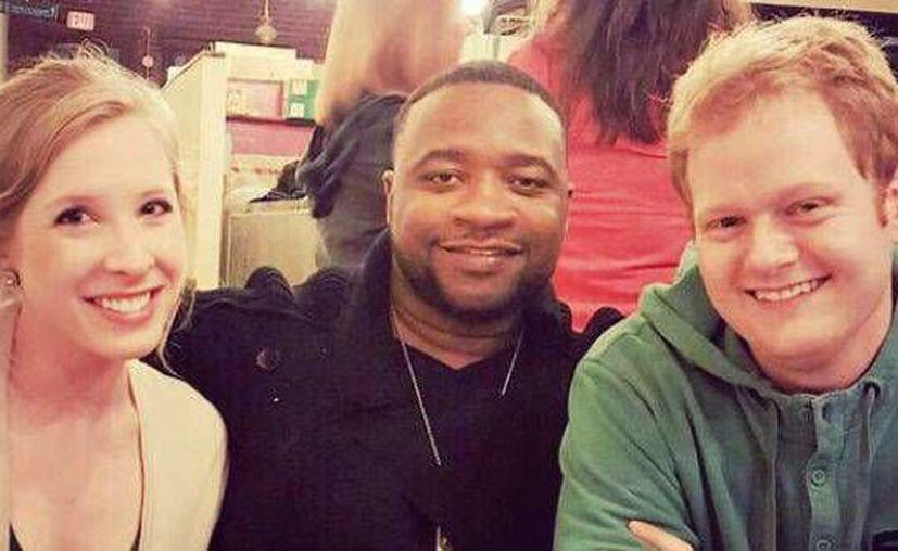 Imagen de archivo de Vester Flanagan (c) junto a las víctimas Alison Parke y Adam Ward. (twitter/@roberto_ruizg)