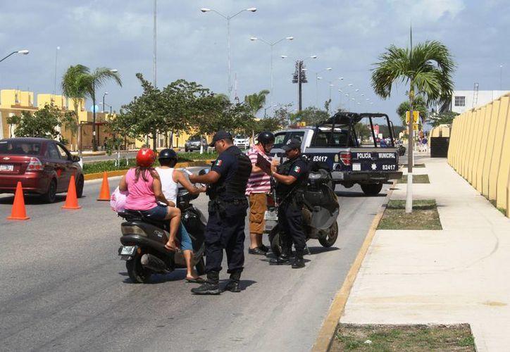 Los filtros policíacos comenzarán a funcionar de manera regular en Playa del Carmen ahora que concluya la Semana Santa. (Octavio Martínez/SIPSE)