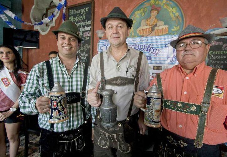 Alemanes en Yucatán celebrarán el Oktoberfest con cerveza y salchichas. (Notimex)