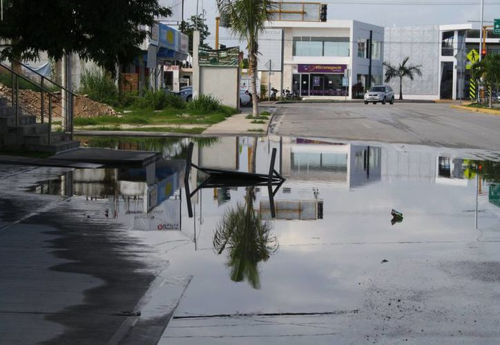 También reconocen el mal funcionamiento de las redes pluviales. (Loana Segovia/SIPSE)