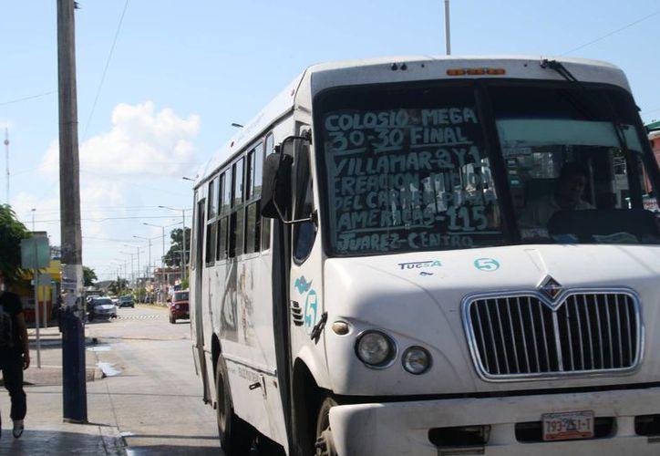 Prevén que el problema de transporte público quede solucionado para el próximo año. (Octavio Martínez/SIPSE)