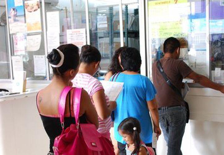 Exhortan a los padres a completar los esquemas de vacunación. (Tomás Álvarez/SIPSE)