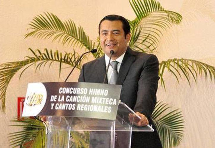 El titular del Ieepo, Moisés Robles, anunció que en los próximos días se publicará el nuevo reglamento del instituto, como parte de los cambios que buscan reestructurar el sistema educativo de Oaxaca. (Archivo Milenio)