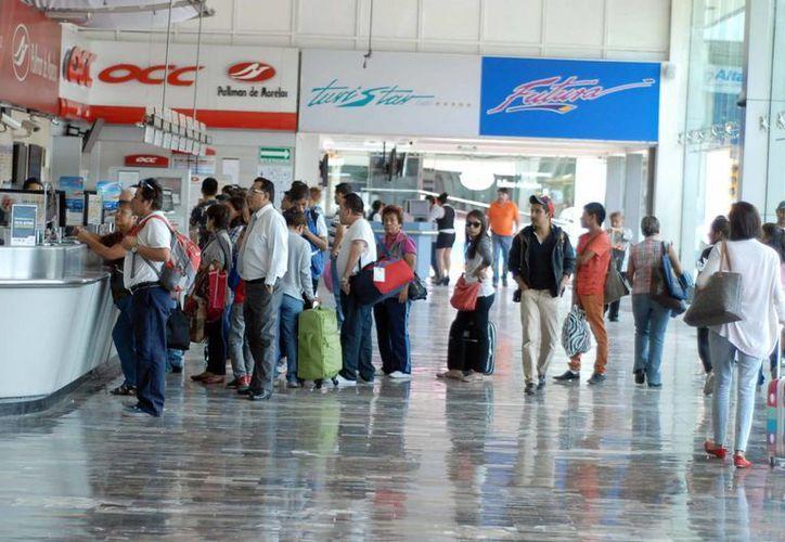 Los destinos favoritos para viajar por tierra son, entre otros, Querétaro y Guadalajara. (Archivo/SIPSE)