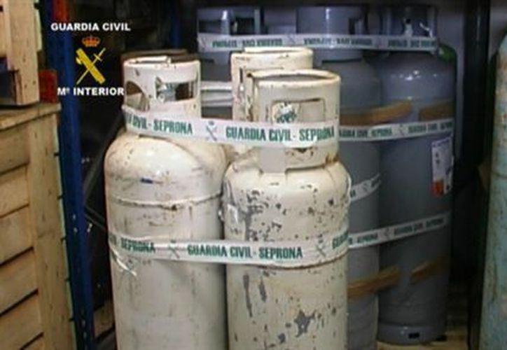 Por el comercio ilegal del gas R-22 fueron puestos a disposición judicial 97 personas. (www.blogspot.com)