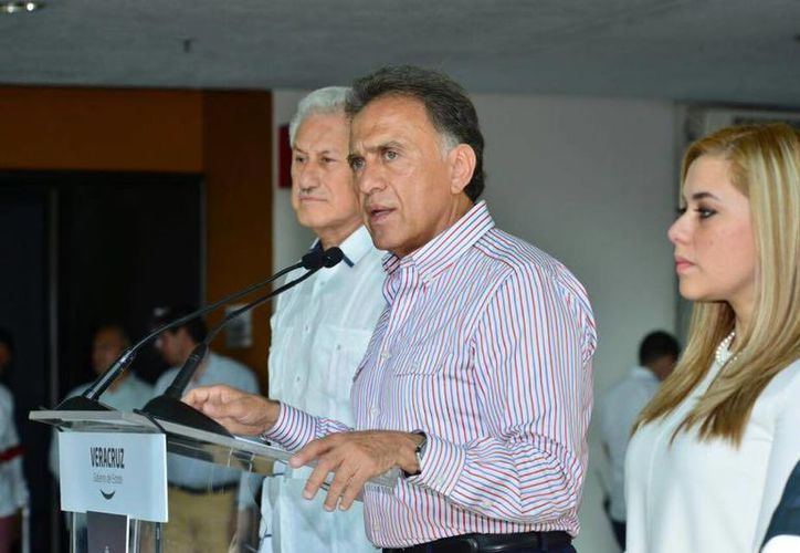 Miguel Ángel Yunes dio una conferencia de prensa para dar el anuncio de la llegada de la Gendarmería a las ciudades de Xalapa y Córdoba. (Facebook/Miguel Ángel Yunes)