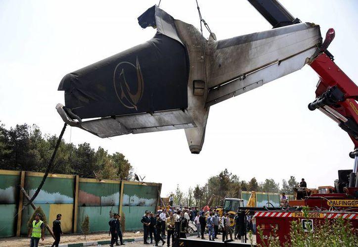 Las autoridades indicaron que se desconocen las causas del percance, ocurrido cerca del aeropuerto de Teherán. (AP)