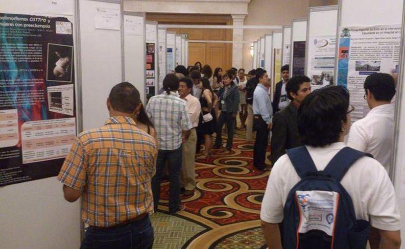 La Asociación Farmacéutica Mexicana auspició la asistencia de los estudiantes. (Cortesía/Uqroo)