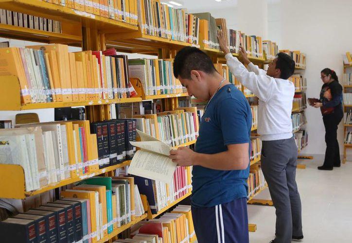 El servicio que se ofrece en la biblioteca principal es de préstamo y consulta de libros. (Contexto/Internet)
