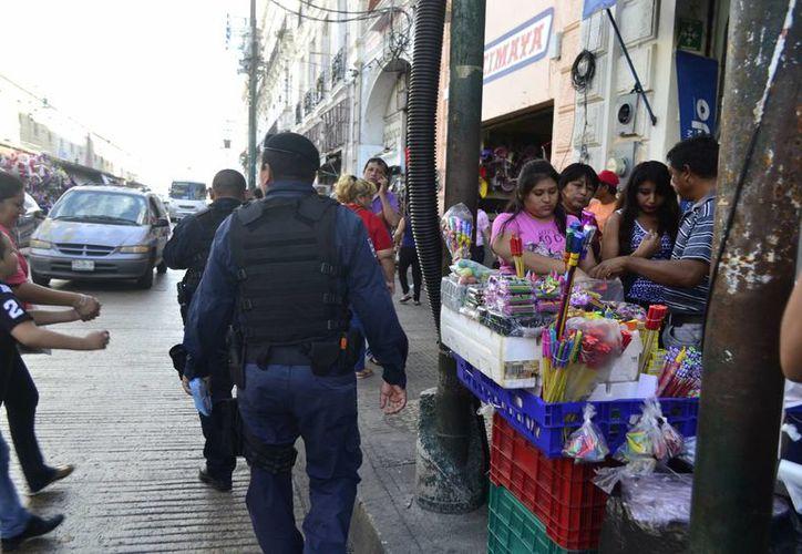 Los decomisos de material pirotécnico navideño realizados entre ayer jueves y hoy viernes en Mérida suman más de 154 kilos. (Foto: Daniel Sandoval/SIPSE)