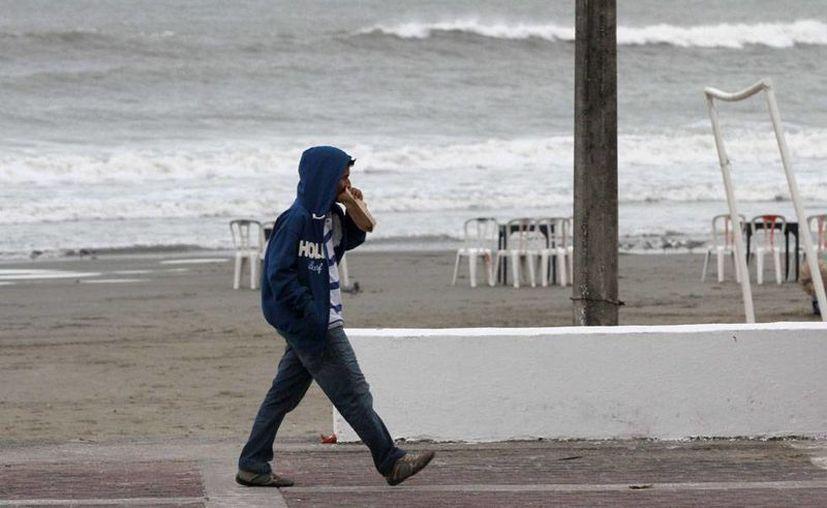 El frente frío número 16 'congelará' a medio país, según el pronóstico del Servicio Meteorológico Nacional (SMN). La entrada del sistema frontal al territorio mexicano será este lunes por la tarde. (Archivo/NTX)