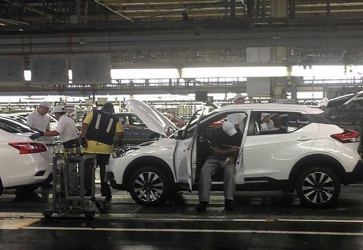 La tasa de desempleo en México es la más baja en los últimos 8 años en un mes de agosto. En la imagen, trabajadores en la fábrica de Nissan Mexicana en Aguascalientes. (Archivo/Notimex)