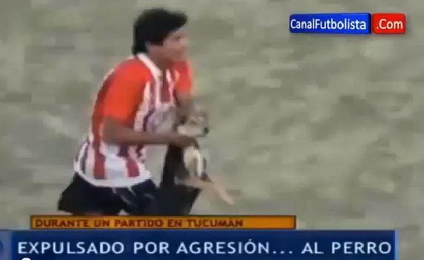 Encerrado en su casa, el futbolista se dice destrozado. (YouTube)